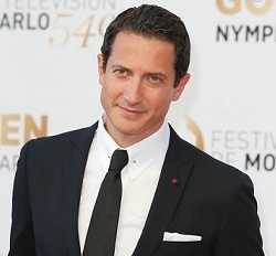 Sasha Roiz Married, Wife, Partner, Girlfriend, Dating, Gay, Family