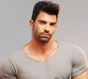 Sergi Constance Wiki, Bio, Girlfriend, Dating, Workout, Diet, Net Worth