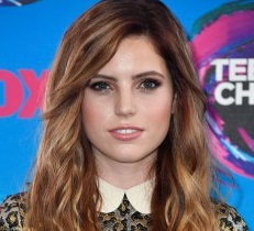 Sydney Sierota Wiki, Boyfriend, Dating, Affair, Family, Net Worth, Height