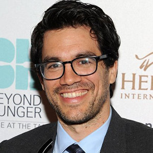 Tai Lopez Wiki: Age, Birthday, Married, Wife, Girlfriend, Height, Family