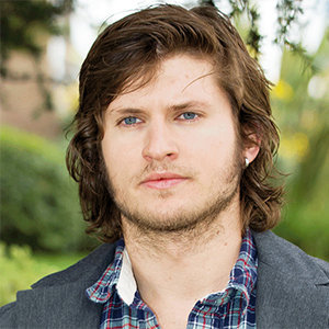 Tom Weston-Jones Married, Wife, Girlfriend, Dating, Gay, Height, Parents