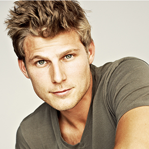 Travis Van Winkle Wiki, Married, Wife, Girlfriend, Dating, Gay, Height