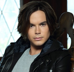 Tyler Blackburn Wiki, Married, Girlfriend, Dating, Gay, Net Worth