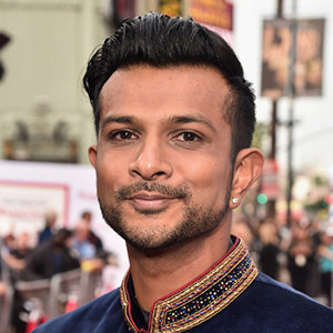 Utkarsh Ambudkar Wiki: Girlfriend, Dating, Gay, Family, Height, Net Worth