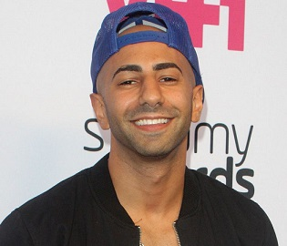 Yousef Erakat Girlfriend, Dating, Married, Gay, Parents, Net Worth, Bio
