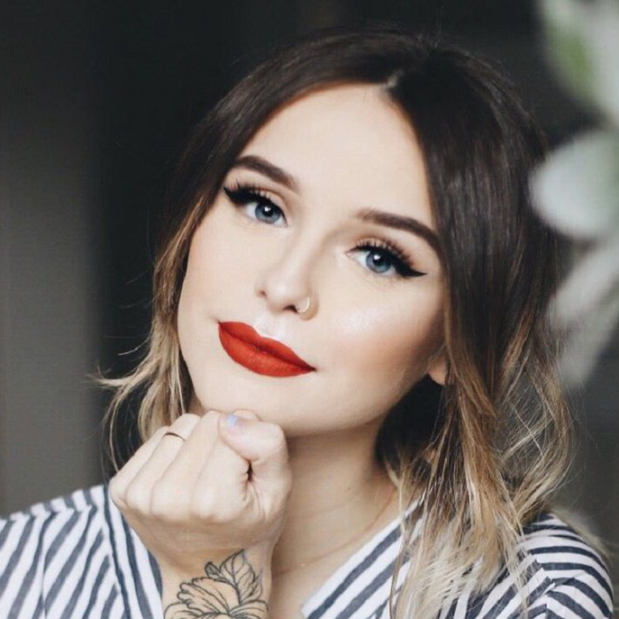 Acacia Brinley Wiki: Age, Height, Family, Boyfriend, Engaged, Pregnant, Baby