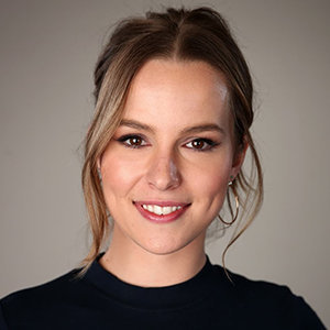 Bridgit Mendler Wiki: Dating, Boyfriend, Net Worth