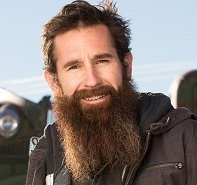 The 35-year old son of father (?) and mother(?), 175 cm tall Aaron Kaufman in 2017 photo