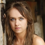 Amber Marshall Wiki, Married, Husband or Boyfriend