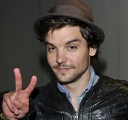 Andrew-Lee Potts Wiki, Married, Wife or Girlfriend and Net Worth