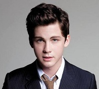 Logan Lerman Wiki, Girlfriend, Dating or Gay
