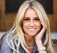 Nicole Curtis Wiki, Married, Husband, Boyfriend, Children, Net Worth