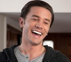 Tom Pelphrey Married, Wife, Girlfriend or Gay, Dating, Net Worth