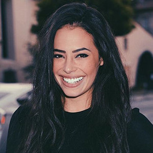 Chloe Bridges Wiki: Ethnicity, Family, Boyfriend, Dating