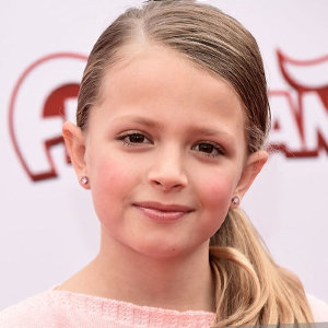 Giselle Eisenberg Wiki: Age, Dad, Mom, Height, Sister, TV Shows, 2018