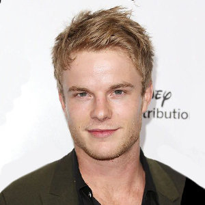 Graham Rogers Girlfriend, Gay, Family