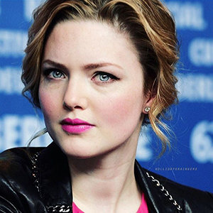 Holliday Grainger Married, Husband, Boyfriend, Dating, Net Worth, Family