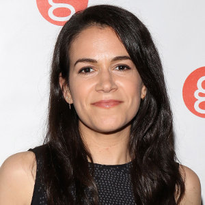 Abbi Jacobson Weight Loss, Boyfriend, Dating, Gay, Wedding