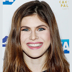 Alexandra Daddario Married, Dating, Net Worth