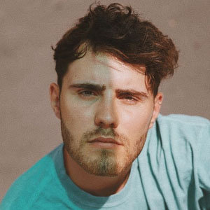 Alfie Deyes Dating Life With girlfriend, His Relationship Insight