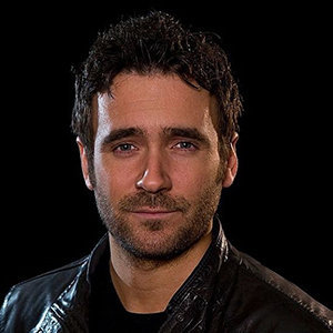 Allan Hawco Bio, Married Life & Net Worth