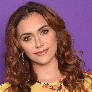 Alyson Stoner Wiki, Boyfriend, Partner, Gay