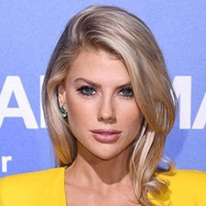 Charlotte McKinney Wiki: From Dating Life, Net Worth To Parents Info