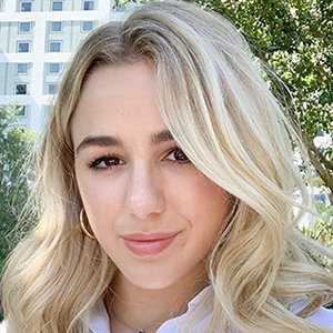 Chloe Lukasiak Net Worth, Height, Sister, Boyfriend, Who Is She Dating?
