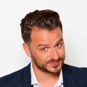 Dapper Laughs Is Engaged With Girlfriend, His Personal Life Details