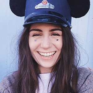 Dodie Clark Age, Boyfriend, Songs & Sexuality Talks