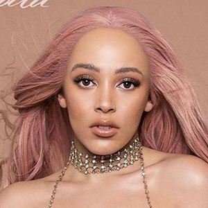 American Rapper Doja Cat Real Name, Ethnicity, Parents & Boyfriend