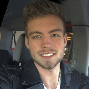 Dustin McNeer Wiki, Age, Gay, Relationship, Model, Facts