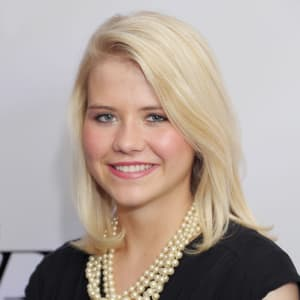 Elizabeth Smart Net Worth, Husband, Family, Today