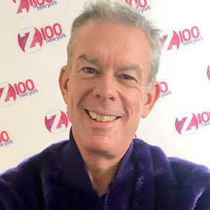 Elvis Duran Gay, Boyfriend, Engaged, Salary, Net Worth
