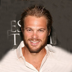 George Stults Wife, Married, Net Worth, Parents