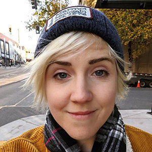 Hannah Hart Is Engaged & Planning For Wedding In 2020 | Details