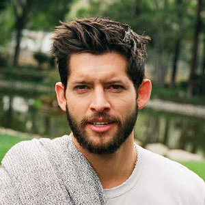 Hunter March Age, Girlfriend, Dating, Parents, Siblings & Facts