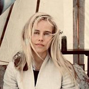 Isabel Lucas Boyfriend, Married, Net Worth
