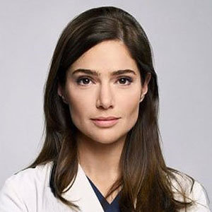 Janet Montgomery Wiki: Husband, Boyfriend, Dating, Net Worth
