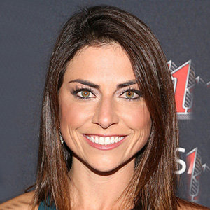 Jenny Dell [CSB] Bio, Age, Married Life, Husband, Education & More