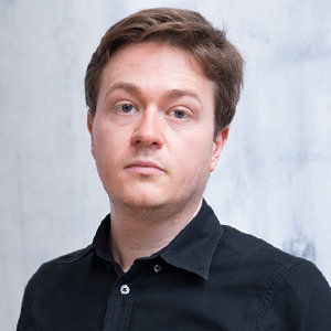 Johann Hari Wiki, Partner, Gay, Family, Height, Net Worth