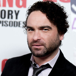 Johnny Galecki Married, Wife, Gay, Girlfriend, Dating