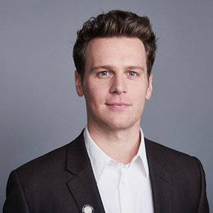 Jonathan Groff Gay, Boyfriend, Family, Net Worth