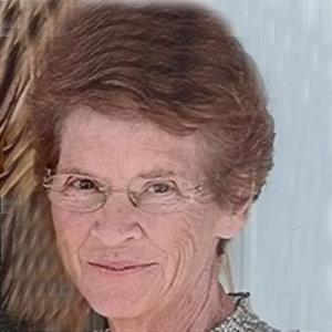 How Karen Kline met Linda Hunt?