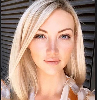 Who Is Leah Totton Boyfriend? Also About Engaged, Family