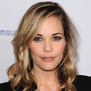 Leslie Bibb's Relationship With Long term Boyfriend, Net Worth & Bio
