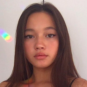 Lily Chee Wiki, Parents, Sisters, Boyfriend, How Old Is She?