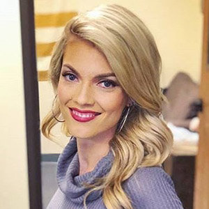 Liz Wheeler Wiki: Age, Married, Engaged, Husband, Height, Net Worth