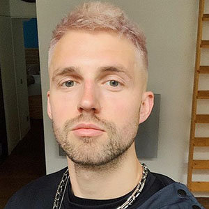 Marcus Butler Dating & Girlfriend List: Parents, Net Worth