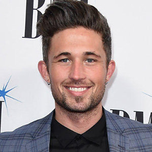 Michael Ray Engaged, Carly Pearce, Dating